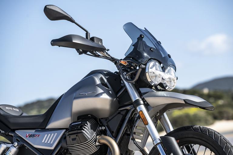Moto-Guzzi-V85TT-13