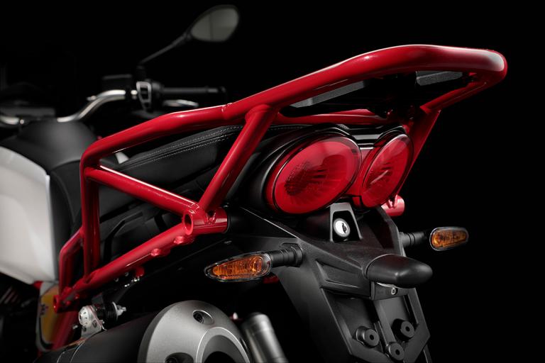 Moto-Guzzi-V85TT-Premium-13