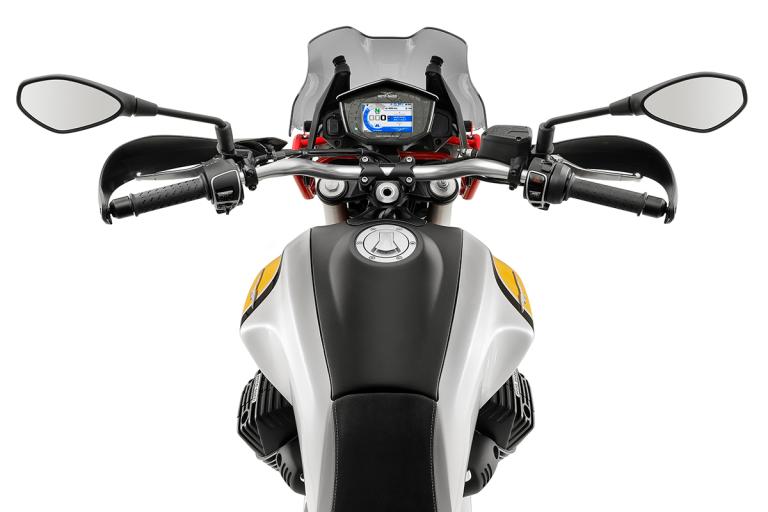 Moto-Guzzi-V85TT-Premium-14