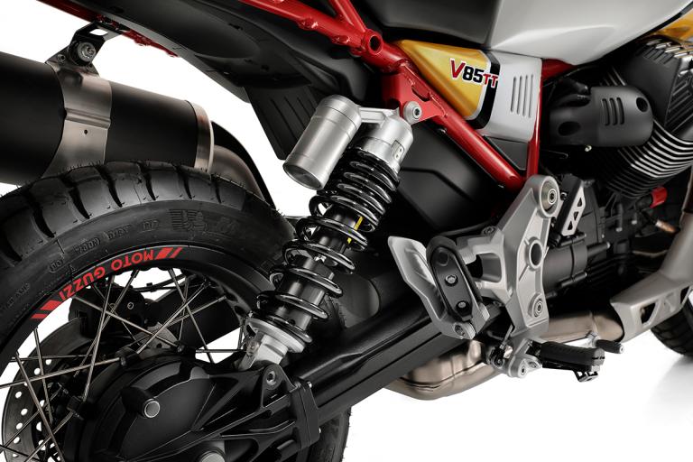 Moto-Guzzi-V85TT-Premium-18