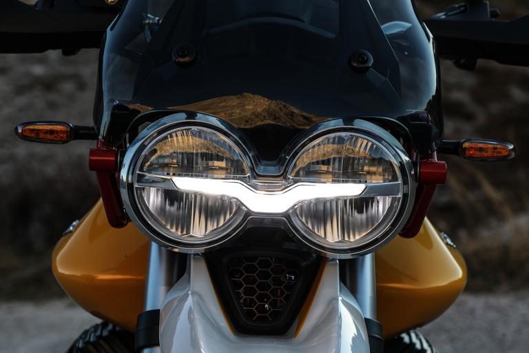 Moto-Guzzi-V85TT-Premium-19