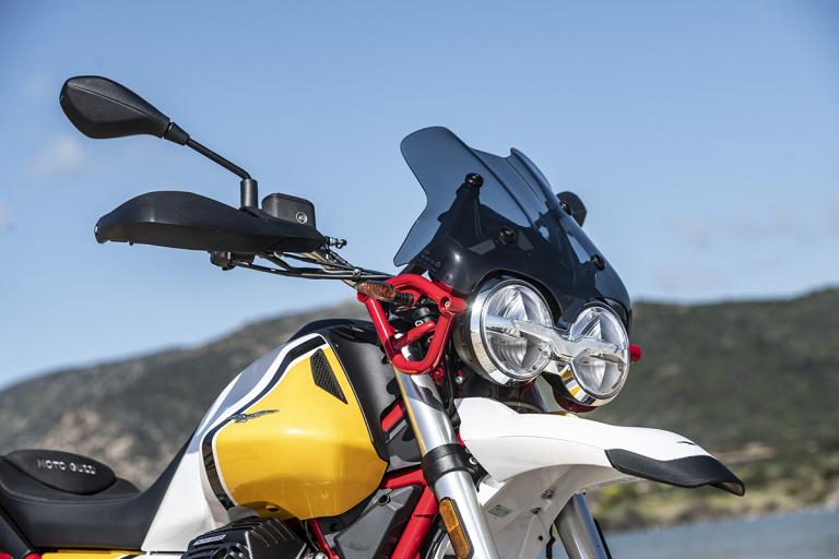 Moto-Guzzi-V85TT-Premium-21