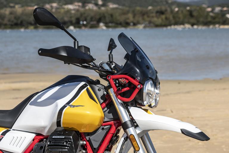 Moto-Guzzi-V85TT-Premium-23