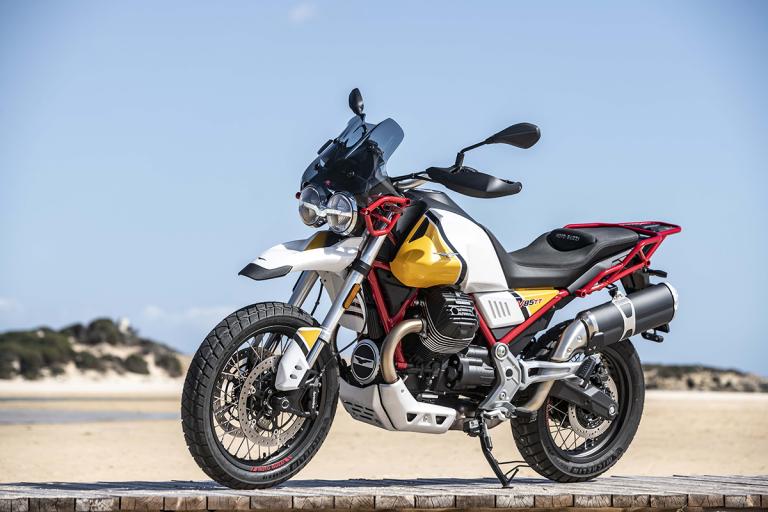 Moto-Guzzi-V85TT-Premium-27