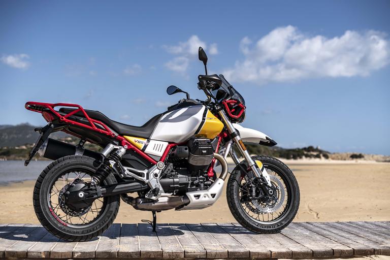 Moto-Guzzi-V85TT-Premium-29