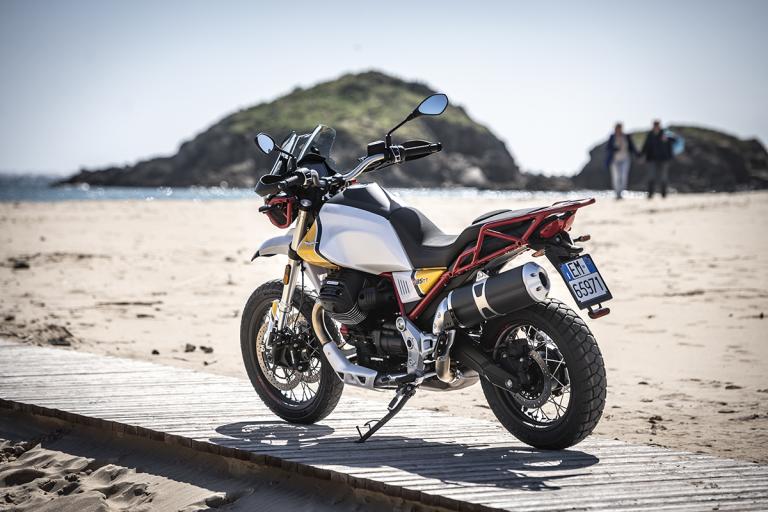 Moto-Guzzi-V85TT-Premium-30