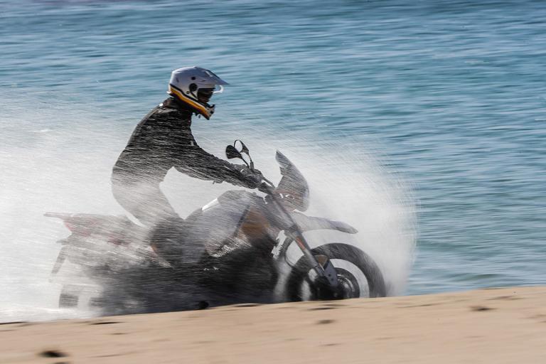 Moto-Guzzi-V85TT-Premium-32