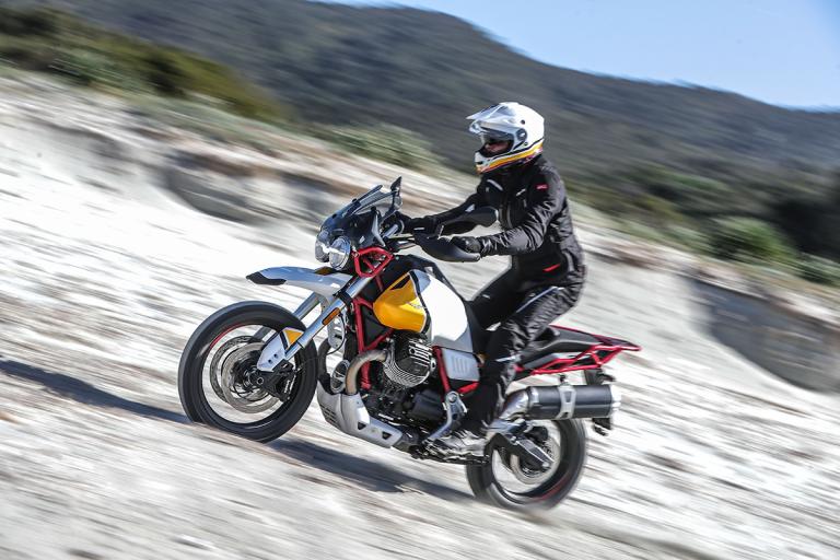 Moto-Guzzi-V85TT-Premium-33