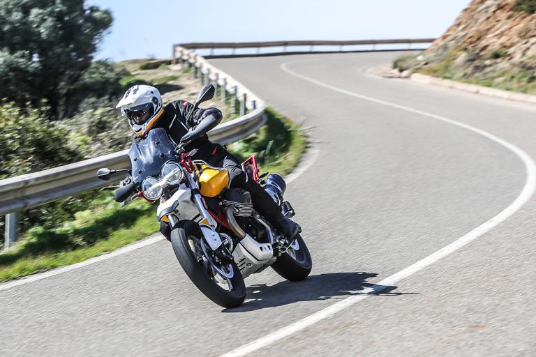 Moto-Guzzi-V85TT-Premium-34