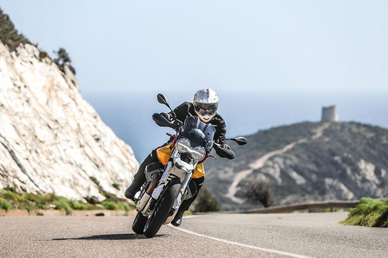 Moto-Guzzi-V85TT-Premium-35