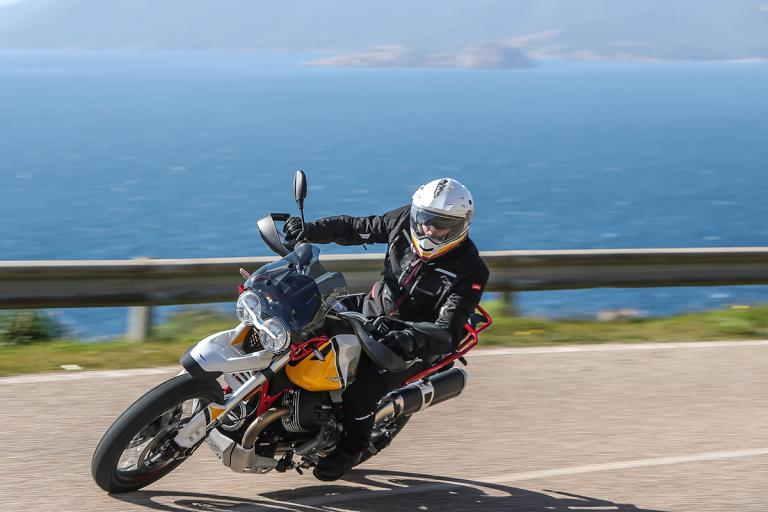 Moto-Guzzi-V85TT-Premium-37