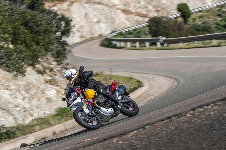 Moto-Guzzi-V85TT-Premium-39